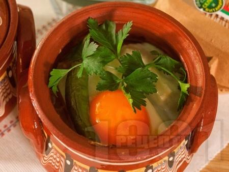 Сирене по шопски в глинено гювече на фурна (класическо) - снимка на рецептата